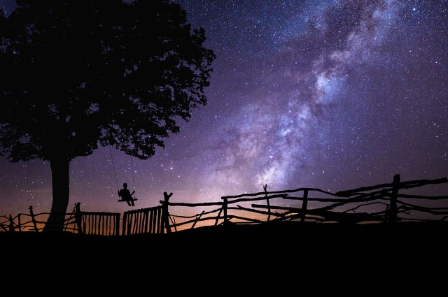 purple night sky pic